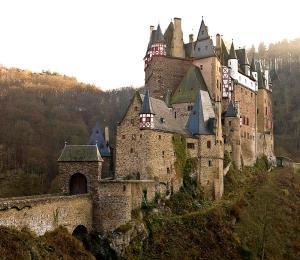eltz-castle-1